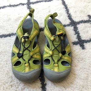Keen women's green sandals